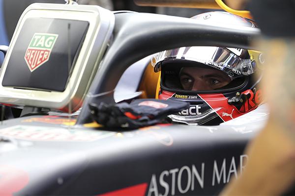 """Max Verstappen es uno de los candidatos a conseguir la """"pole"""" del sábado. FOTO:  REUTERS"""