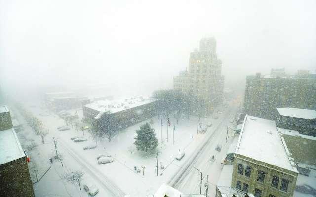SORPRESA. No se esperaba que la tormenta de nieve fuera tan severa. Foto: AP