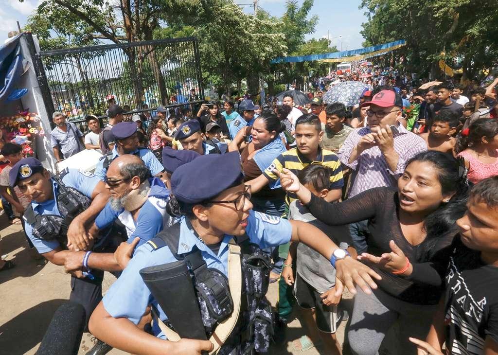 Opositores al gobierno de Ortega protestan por arresto de un activista. Foto: AP
