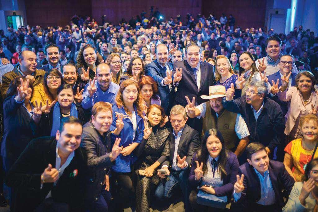 El dirigente estuvo acompañado de los gobernadores de Guanajuato, Querétaro, Nayarit, Puebla y Veracruz. Foto: Especial.