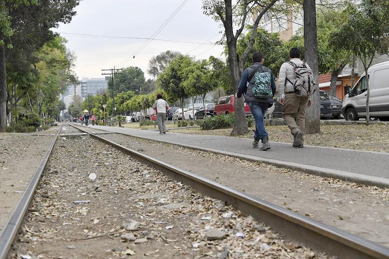 Por las noches, la zona es asolada por quienes se dedican a asaltar a los peatones. Foto: Edgar López / El Heraldo de México.