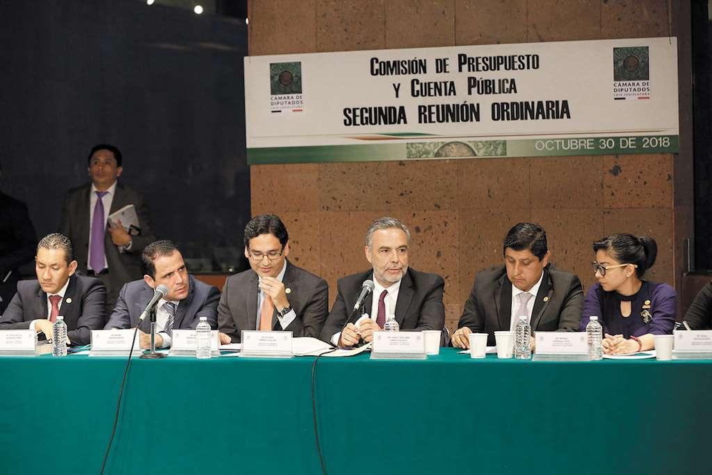 Alfonso Ramírez (de barba) estima un incremento de recursos para programas. Foto: Especial.