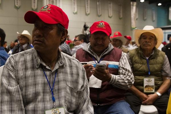 Integrantes de la Confederación Nacional de Productores Agrícolas de Maíz de México durante su quinto congreso nacional, en el cual participó Víctor Villalobos. Foto: Cuartoscuro