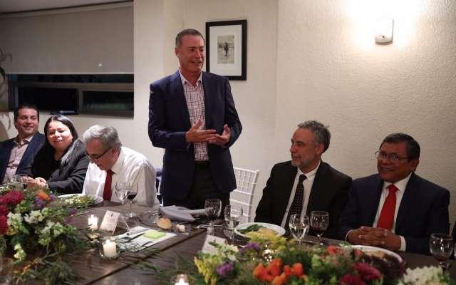 Estuvieron presentes los alcaldes de Culiacán, Jesús Estrada Ferreiro; de Ahome, Manuel Guillermo Chapman y; de Salvador Alvarado, Carlo Mario Ortiz Sánchez