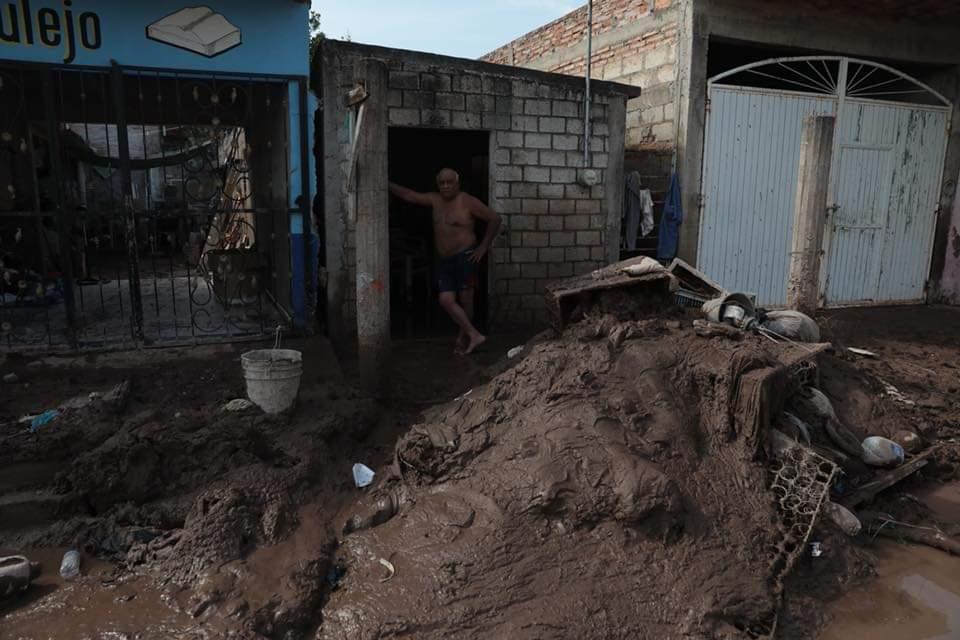 100 mil perdieron todo: viviendas, cosechas, ganado u otras propiedades. Foto: Especial