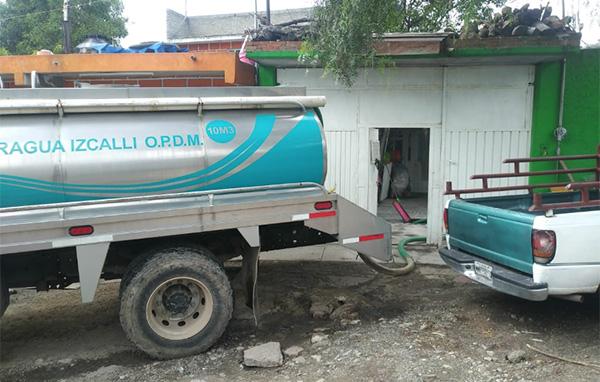 Las pipas se surten del Tanque Uno de OPERAGUA, el cual recibe líquido tanto del sistema Cutzamala como de los 52 pozos propios.  FOTO: ESPECIAL