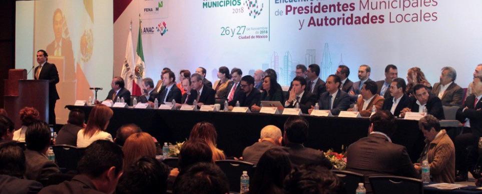 Enrique Vargas durante la ceremonia de inauguración del Encuentro Nacional de Presidentes Municipales y Autoridades Locales. Foto: @ANACmx_