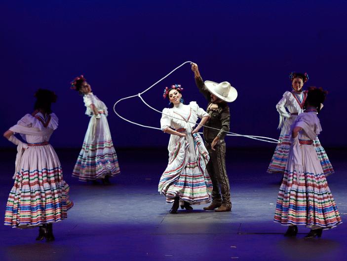 INTERNACIONAL. La gira del Ballet Folklórico inició en McAllen, Texas. Foto: Especial