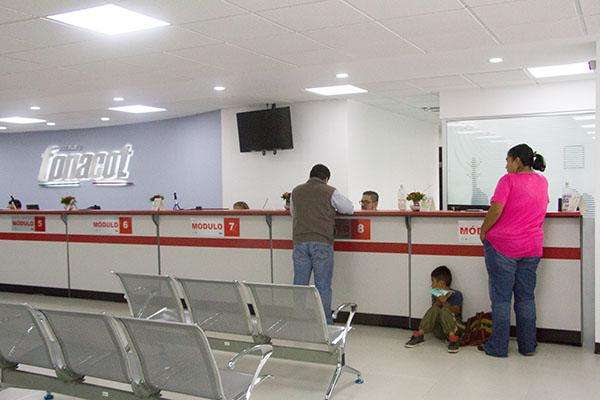 """El Instituto FONACOT se suma por octavo año consecutivo al """"Buen Fin"""", como parte de una estrategia que busca mejorar las condiciones laborales de los trabajadores.  FOTO: CUARTOSCURO"""