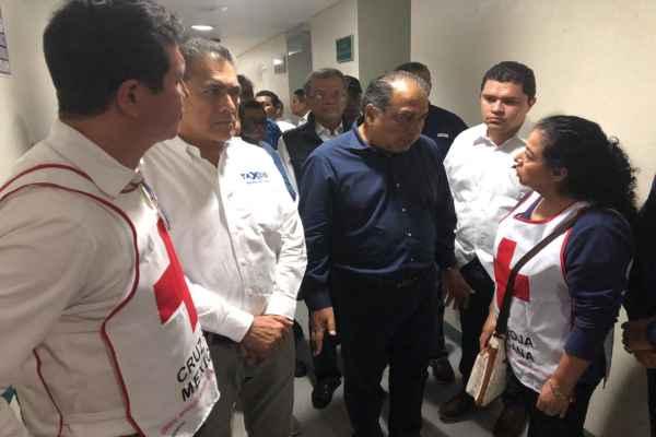 El gobernador Astudillon se trasladó al hospital donde atienden a los 9 heridos. Foto:Cortesía