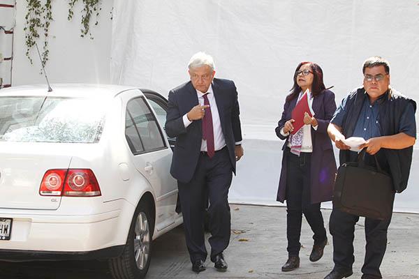 Andrés Manuel López Obrador se tomó unos días antes de asumir la Presidencia.  FOTO: NOTIMEX