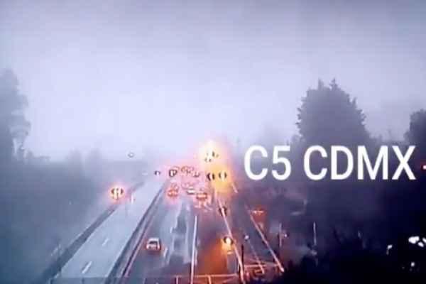 Las condiciones climatológicas han generado un bancos de niebla en diversos puntos de la CDMX. Foto: C5