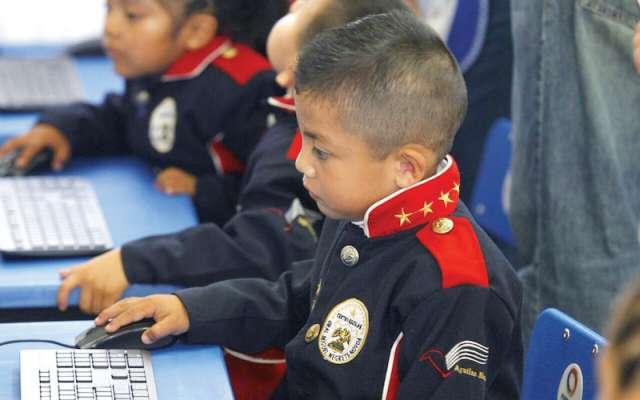 Los menores podrán aprender habilidades tecnológicas desde el kínder. Foto: Especial