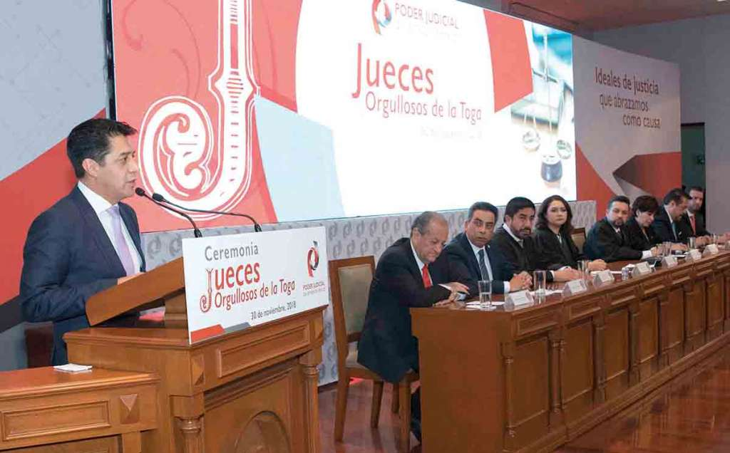 ORGULLO. Sergio Javier Medina Peñaloza, presidente del Tribunal Superior de Justicia del Estado de México, resaltó los sólidos principios de preparación y capacitación de los juzgadores mexiquenses. Foto: Especial