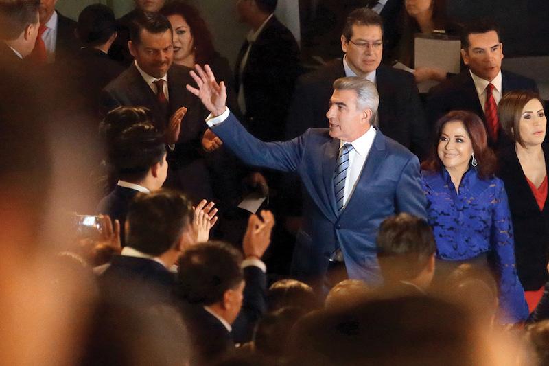 El gobernador estuvo acompañado por su esposa, Dinorah López de Gali, presidenta del SEDIF. Foto: Enfoque