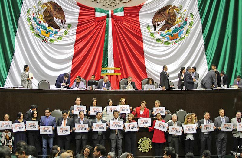 La diputada Miroslava Carrillo, de Morena, presentó la iniciativa sobre el fuero, que finalmente no prosperó. FOTO: NOTIMEX