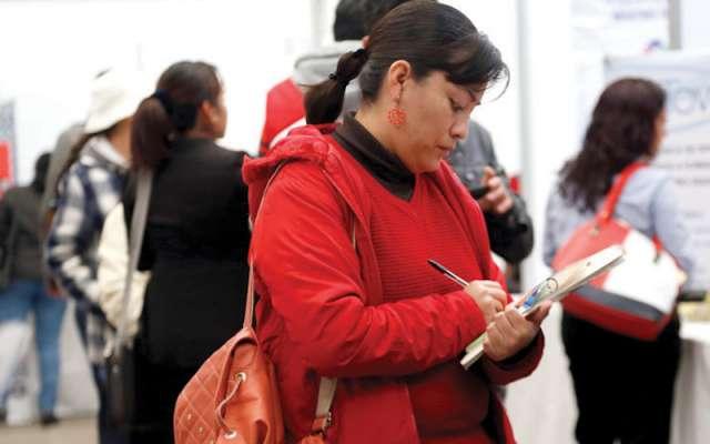 Cientos de personas asistieron a la Feria del Empleo con mil 284 ofertas de 70 empresas. Foto: Enfoque