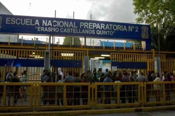 Preparatorias 2 y 5 de la UNAM hacen paro de labores de 48 horas