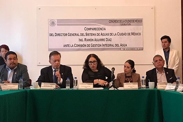 """Los cuestionamientos llegaron de todos lados, incluso el diputado del PES, Miguel Ángel Álvarez, le dijo: """"Espero que se haya bañado""""."""