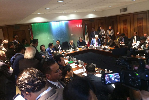 Varios mandatarios y funcionarios de otros países han confirmado su asistencia a este evento de transición que se realizará en la Cámara de Diputados.