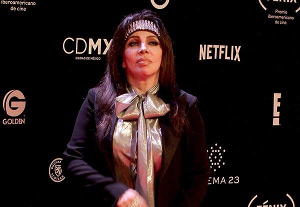 Verónica Castro protagonizó este año la primera temporada de La Casa de las Flores.  FOTO: NOTIMEX