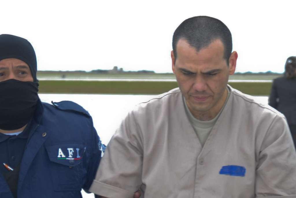 Vicente Zambada Niebla, durante su extradición a los Estados Unidos en 2010. FOTO: ARCHIVO/ CUARTOSCURO