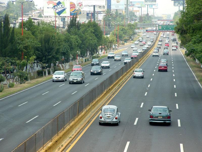150 MIL AUTOS MENOS EN CIRCULACIÓN PREVÉ LA INICIATIVA. FOTO: MARIO NULO/CUARTOSCURO.COM