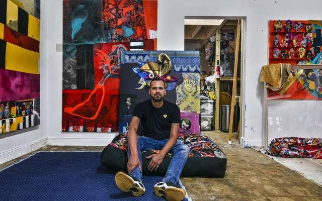 FLORIDA. Durante un recorrido por su estudio en Westwood nos mostró sus obras.  Foto: CORTESÍA DAVID CASTILLO GALLERY