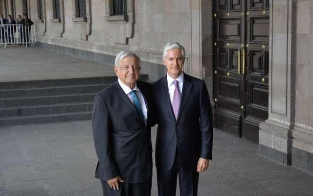 Andrés Manuel López Obrador sostuvo una reunión con el gobernador del Estado de México, Alfredo del Mazo Maza, en Palacio de Gobierno, para la presentación del programa de gobierno. (Archivo) FOTO: ARTEMIO GUERRA BAZ /CUARTOSCURO.COM