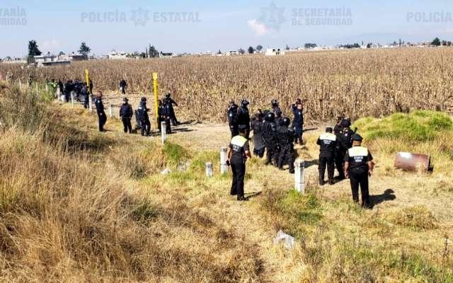 Los policías dijeron que los pobladores respondieron de forma agresiva al atacarlos