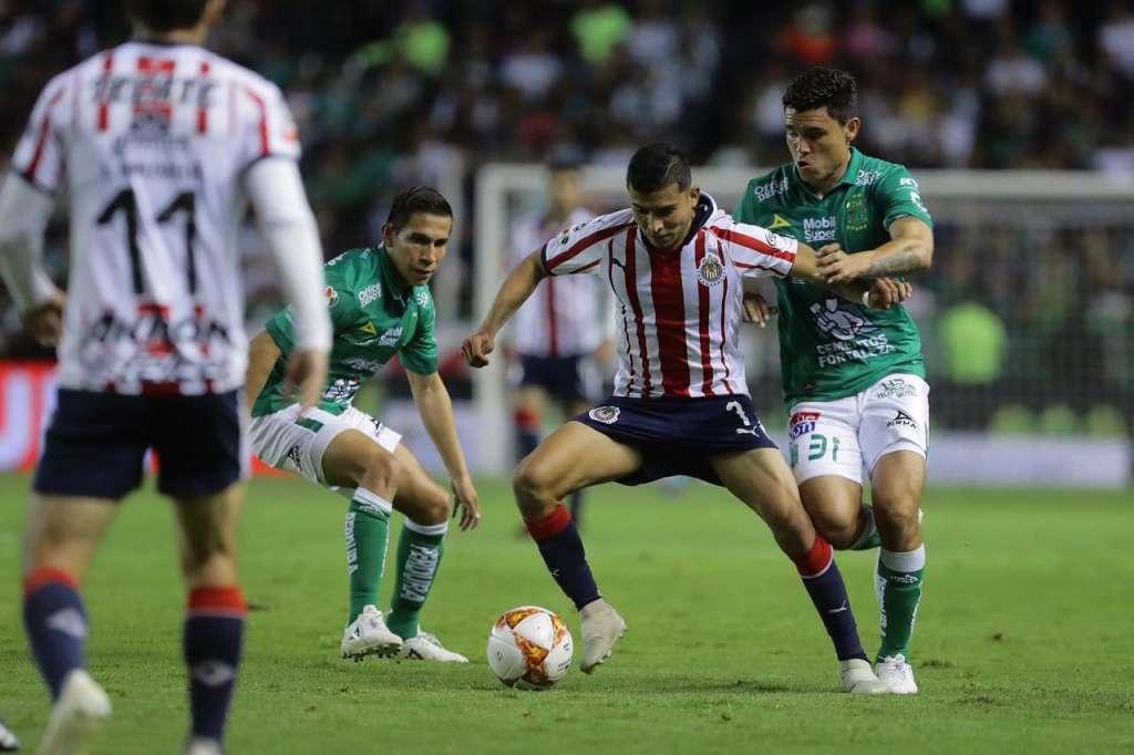 Orbelín Pineda llega a Cruz Azul; se despide de Chivas
