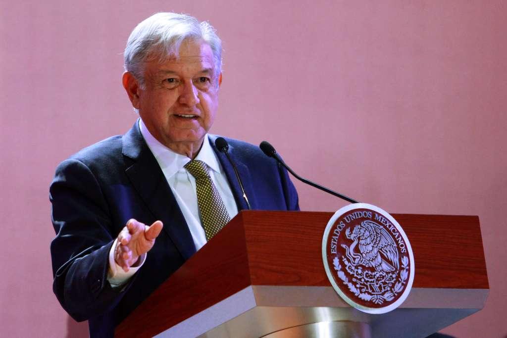 En el spot pautado por Morena puede observarse la imagen y el acrónimo de Andrés Manuel López Obrador FOTO: NOTIMEX