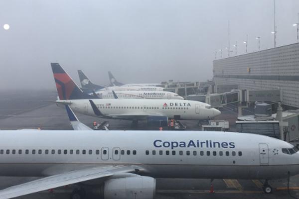Algunos vuelos podrían registrar retrasos. FOTO: @sircamacho