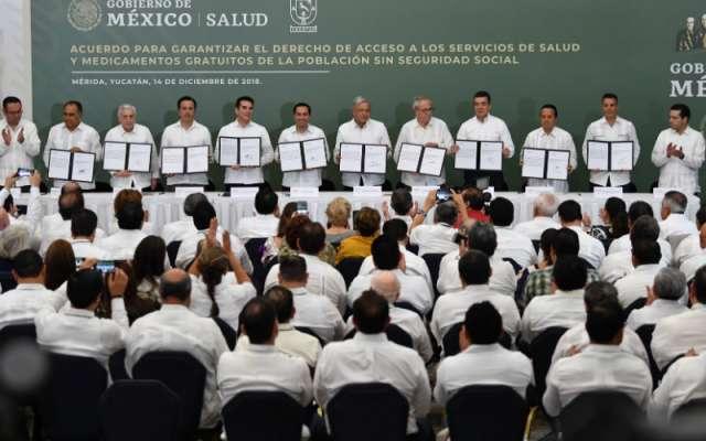 Firma del acuerdo en Mérida, Yucatán FOTO: Pablo Salazar Solís