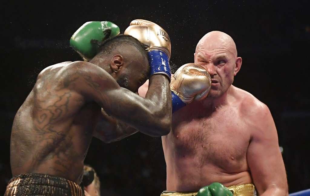Al final, los dos boxeadores se declararon ganadores. FOTO: AP