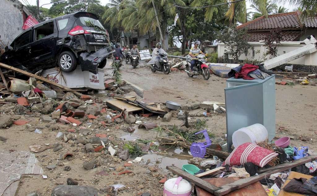 Tsunami dejó  222 muertos y casi 845 heridos. FOTO: AP