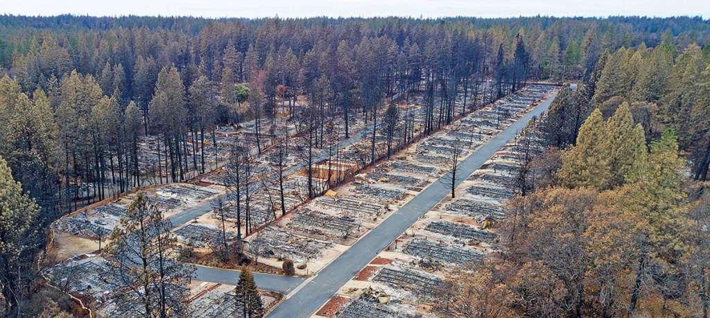 ARDE CALIFORNIA. El 8 de noviembre estalló uno de los peores incendios en EU, dejó más de 87 muertos.