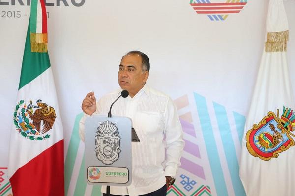 Astudillo Flores comentó que los mismos problemas que tiene Guerrero en el sector educativo se presenta en otras entidades del país. Foto: Especial