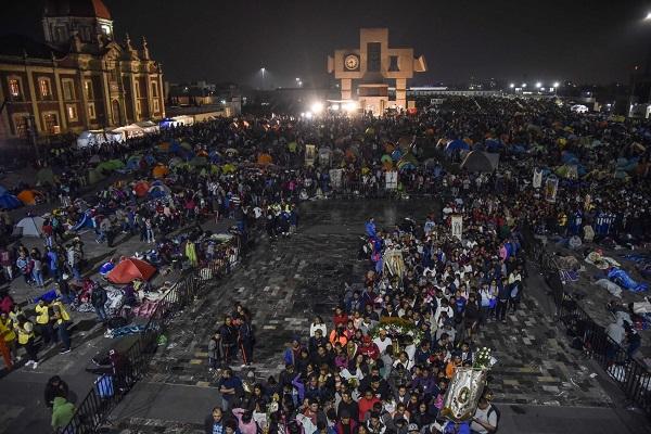 A 487 años de su aparición en el Cerro del Tepeyac, los fieles se dan cita para cantar las