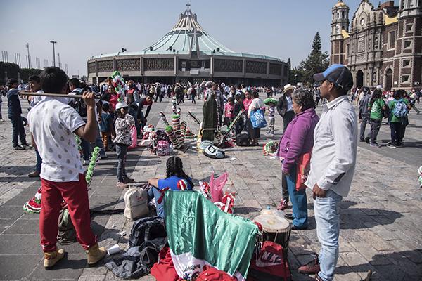 Por presencia de peregrinos habrá corte al servicio. FOTO: CUARTOSCURO