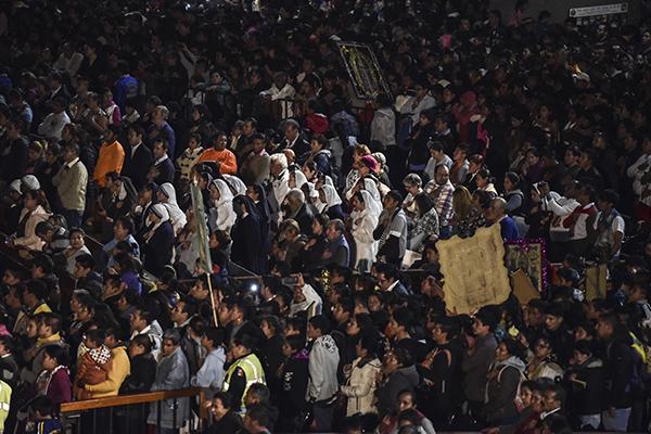 Siguen arribando peregrinos. FOTO: CUARTOSCURO
