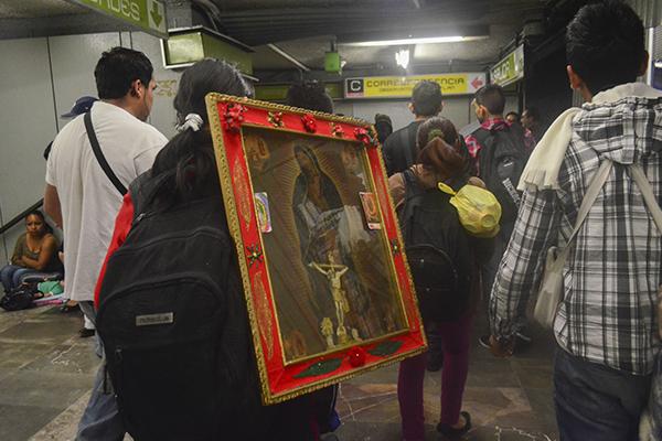 Miles de peregrinos arriban este 11 y 12 de diciembre a la Basílica de Guadalupe. FOTO: CUARTOSCURO