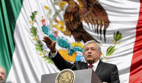 Los gobernadores de Tamaulipas y Michoacán compartieron imágenes de su llegada al acto donde López Obrador tomó protesta. FOTO: ESPECIAL
