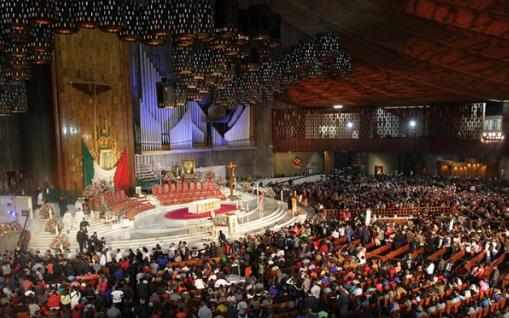 Grupos musicales de otros países de la región como Colombia y Perú alabaron a la Virgen. FOTO: NOTIMEX