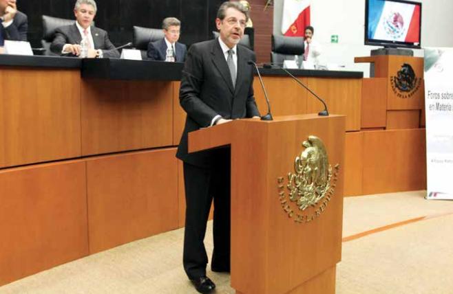 Zabludovsky expuso que buscan trabajar con el secretario de Seguridad, para ver temas de inseguridad. FOTO:ESPECIAL