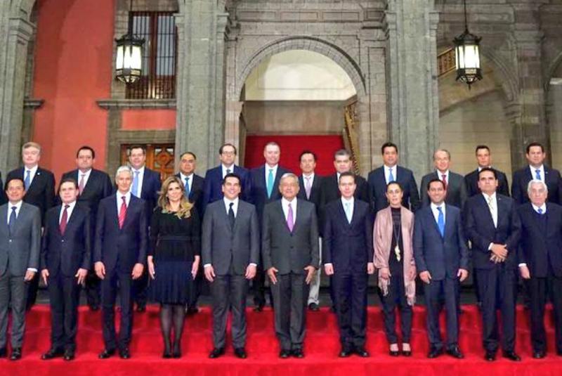 Así, los 32 superdelegados, designados directamente por López Obrador, sólo se limitarán a atender los programas sociales