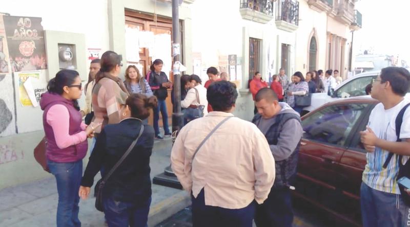 Los sindicalizados amagan con cierre de calles. Foto: Especial.