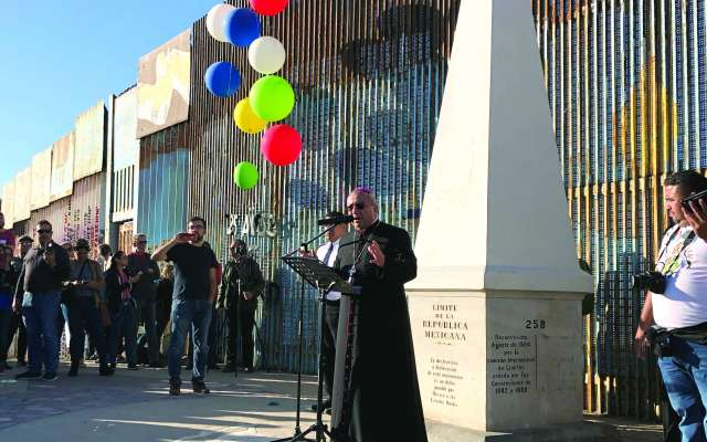 MENSAJE. El obispo de Tijuana, Francisco Moreno, sostuvo que el ser humano tiene derecho a migrar. Foto:  ANA GÓMEZ SALCIDO