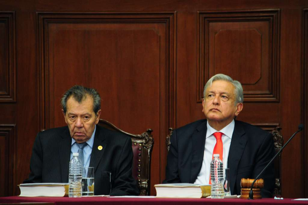 AMLO dialoga también con dependencias de la administración federal. FOTO: ARCHIVO