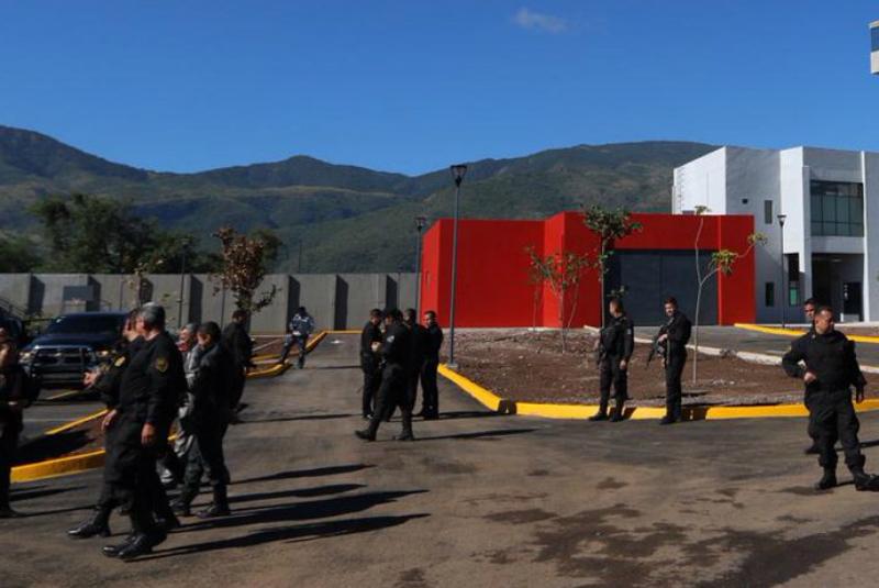 La semana pasada, en Tonalá, Jalisco, fueron emboscados policías federales